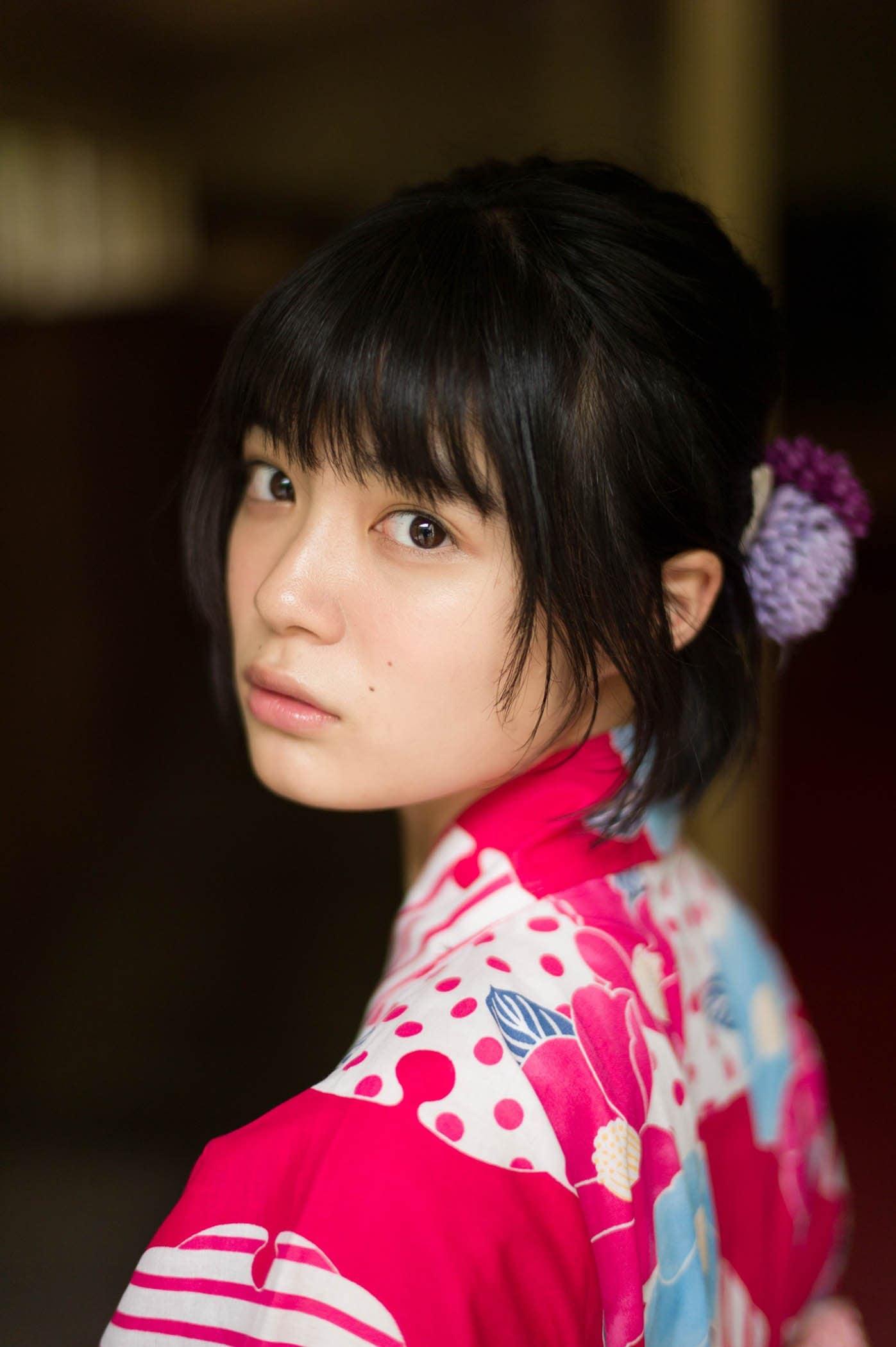 吉田美月喜「16歳の今」を閉じ込めたグラビアが新鮮!【写真5枚】の画像003