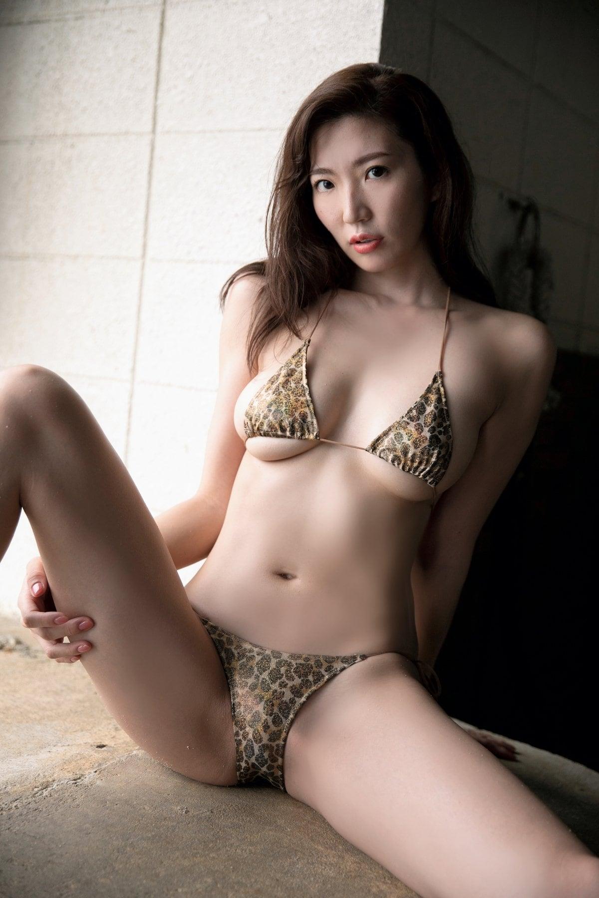 松嶋えいみ「きれいなお姉さん」洗練された神ボディ【写真12枚】の画像007