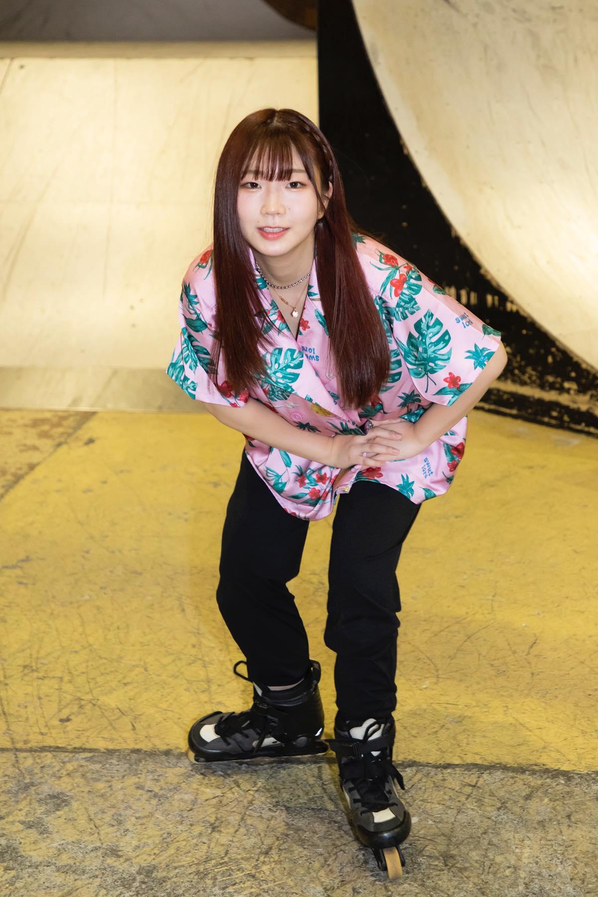 米田みいな「初めてのインラインスケートでなぜかにゃんこスターのモノマネ!?」【写真37枚】【連載】ラストアイドルのすっぴん!vol.21の画像023