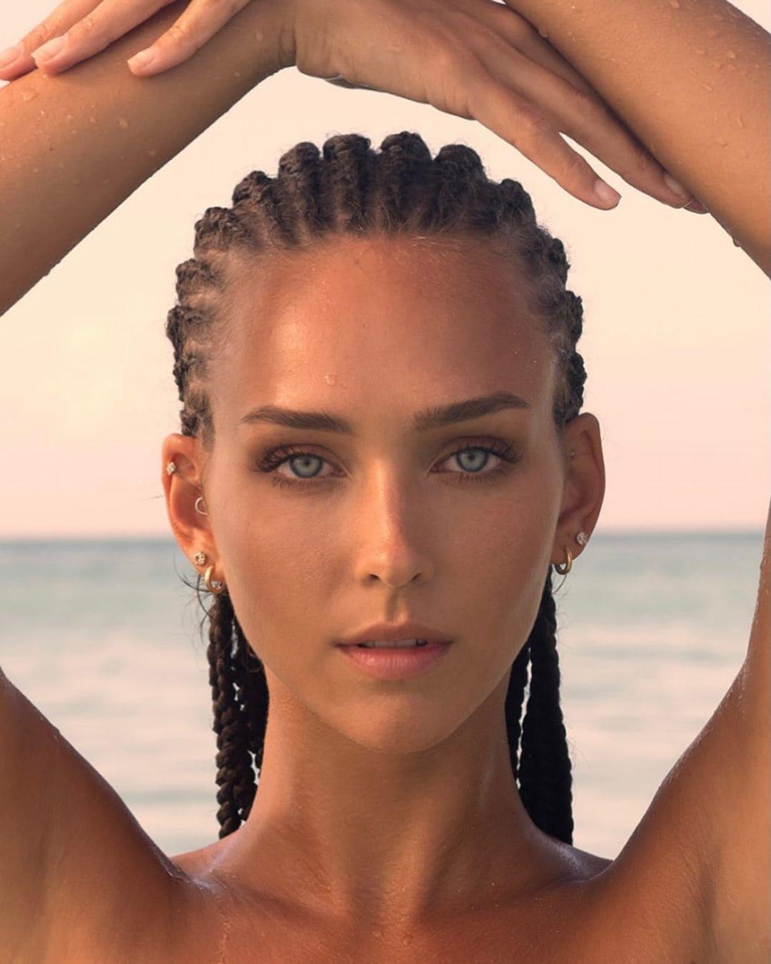 レイチェル・クック「世界で最も美しい顔100人」ノミネートがまるでヴィーナスの誕生…【画像2枚】の画像002