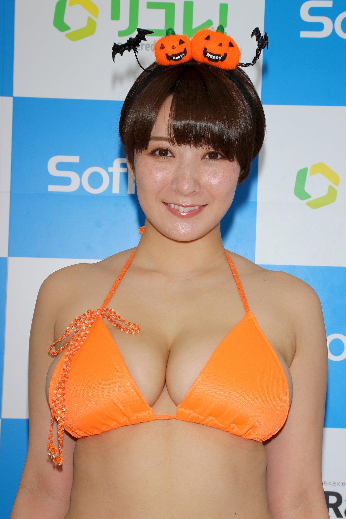 紺野栞「SM嬢に初挑戦」ムチを覚えて感動しました【画像49枚】の画像015