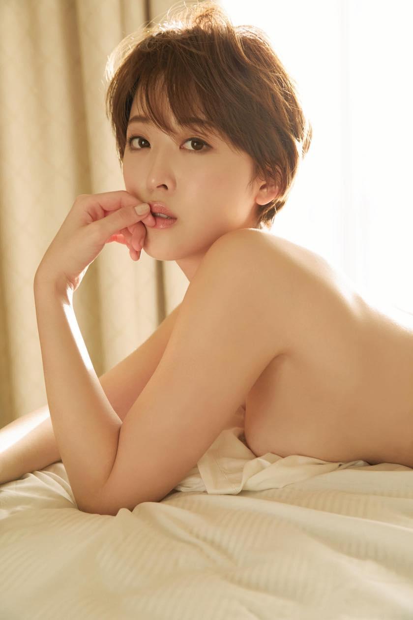 忍野さら「色気ムンムン」ショート美女のゆるふわボディ【写真9枚】の画像008