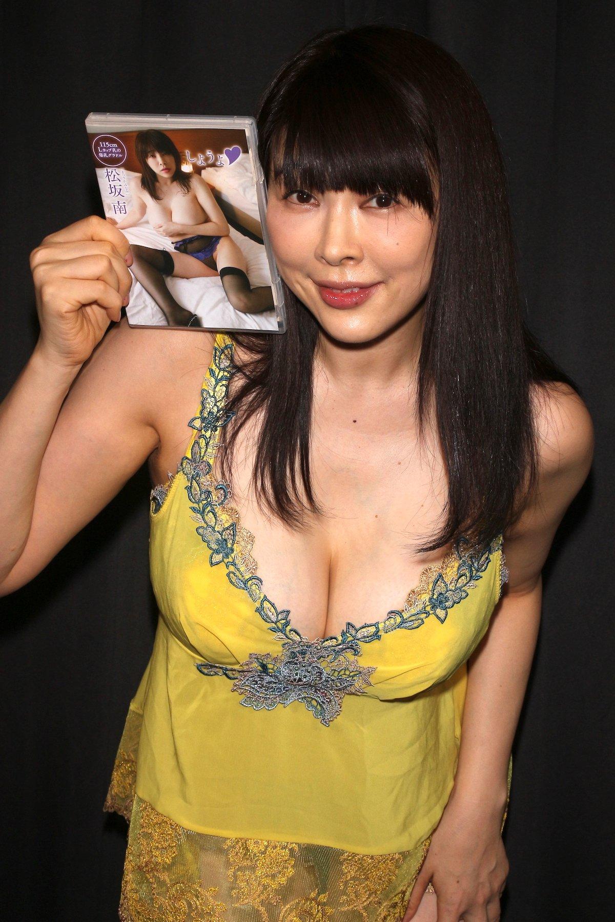 松坂南「襦袢を着崩してMっぽい雰囲気に」和風セクシーに挑戦【画像46枚】の画像037