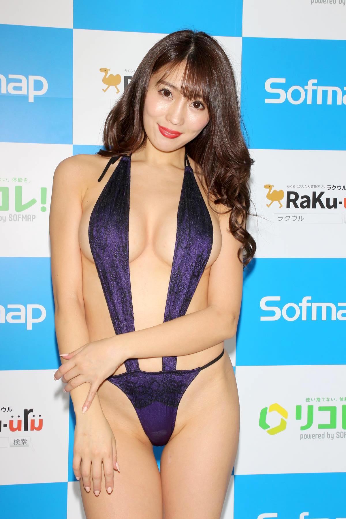 森咲智美のグラビア水着ビキニ画像0008