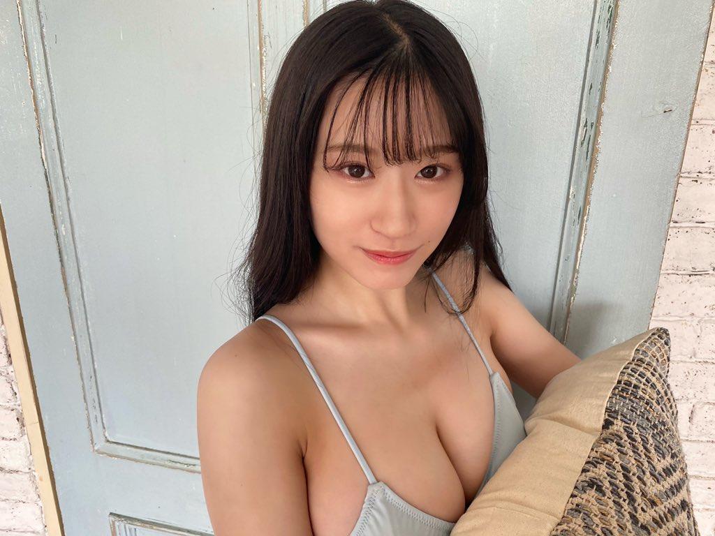 """NMB48上西怜""""グループ屈指の美バスト""""ビキニ姿を披露にファン「いつもメロメロだよ」【画像2枚】の画像001"""