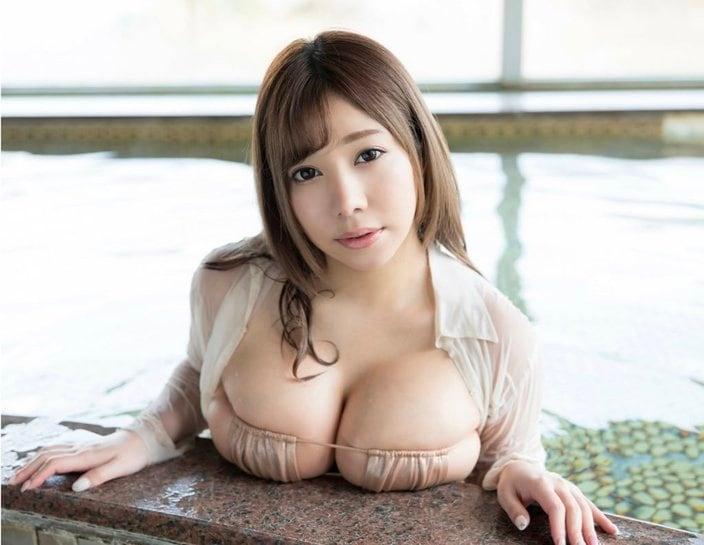 """夢見るぅ「いくらなんでもデカすぎ!」濡れた""""置き乳""""が迫力満点【画像3枚】の画像"""