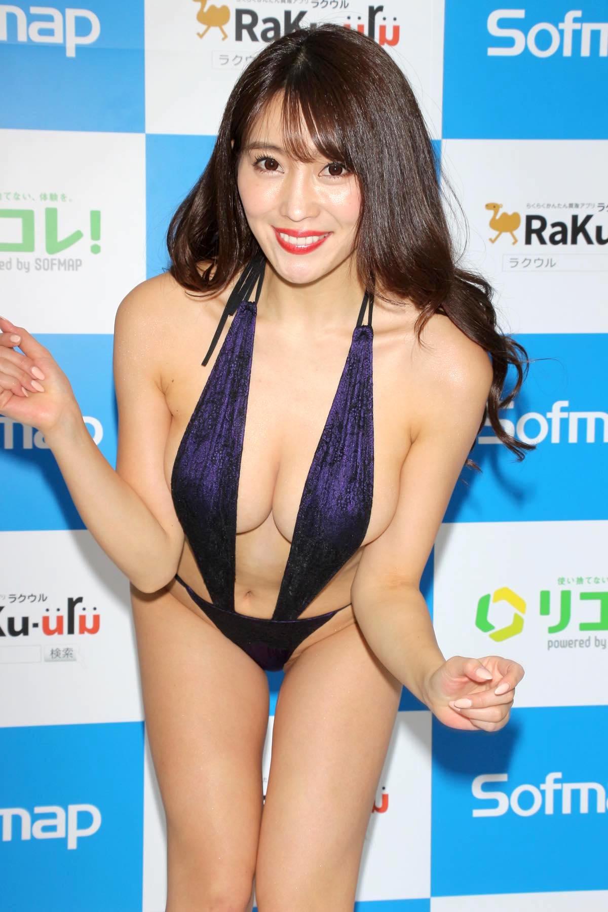 森咲智美のグラビア水着ビキニ画像0018