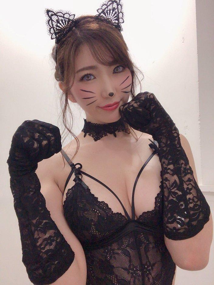 松嶋えいみ「妖艶下着の子猫チャン」撮影会でハロウィンを先取り!の画像
