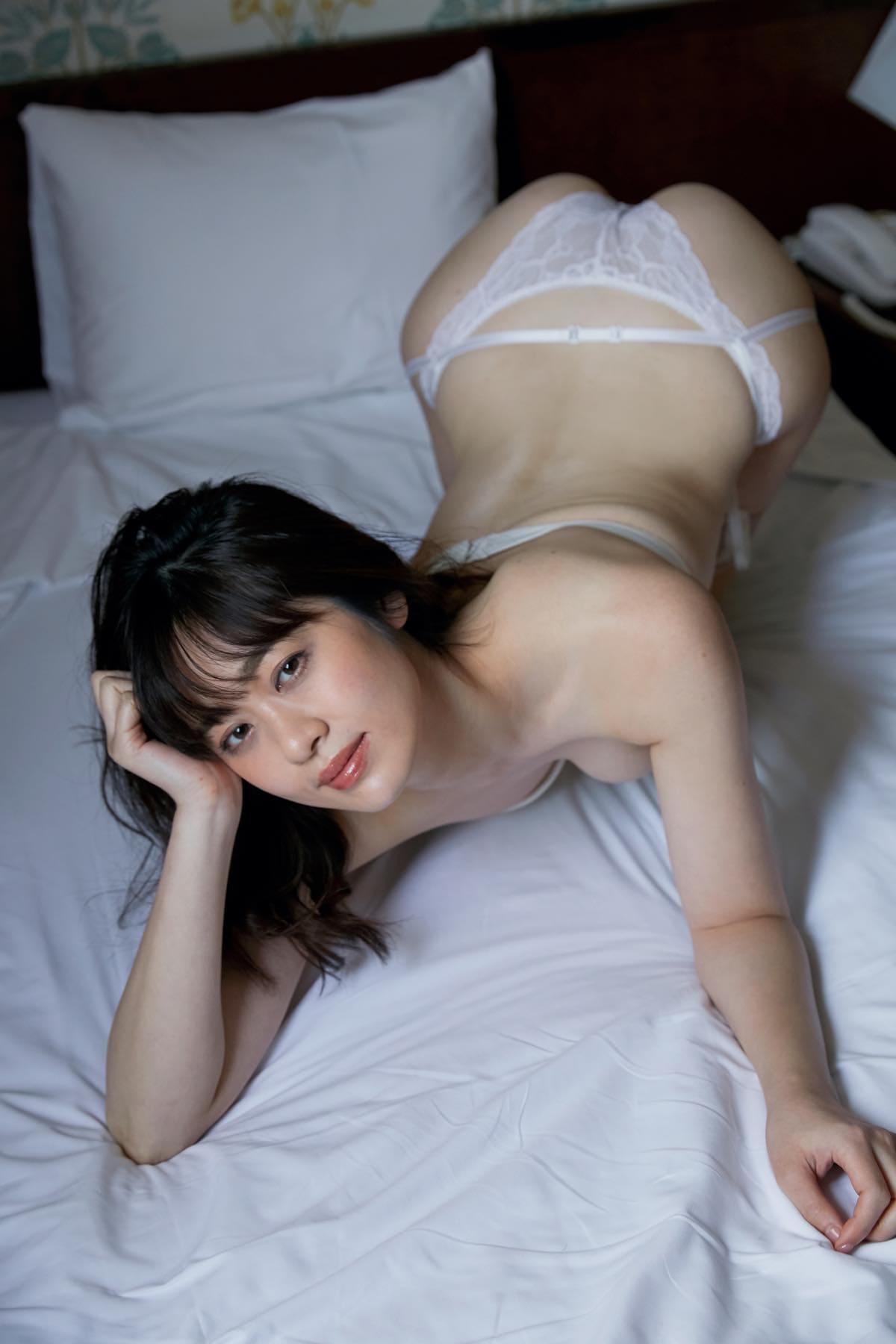 池田裕子「白桃のような美ヒップ」艶っぽい大人の魅力に撃沈!【画像12枚】の画像011