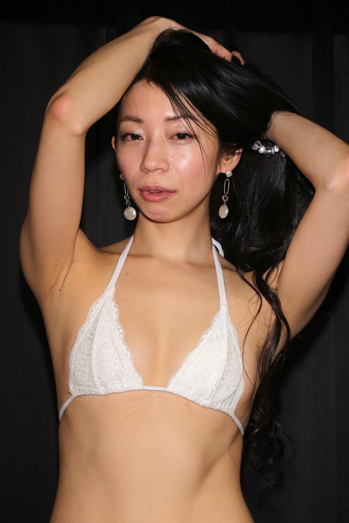 岩崎真奈「ベンチの縁にこすったり」私史上最高にセクシー【画像50枚】の画像017