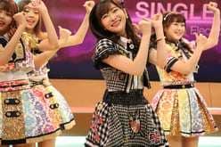 HKT48指原莉乃、タイの『恋するフォーチュンクッキー』人気に感激!【写真13枚】の画像