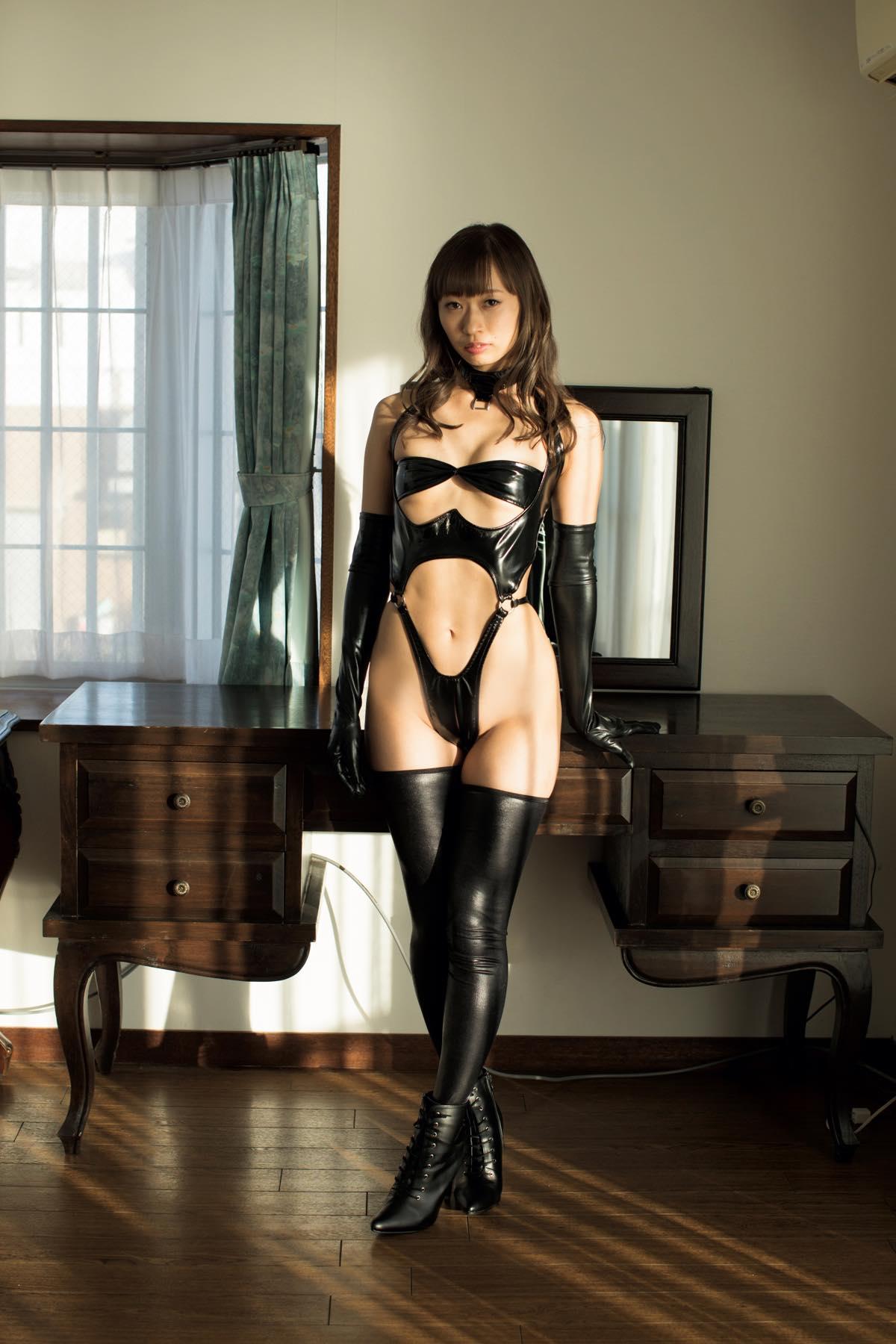 日野アリス「スレンダー美女」の9頭身ボディ【写真11枚】の画像008