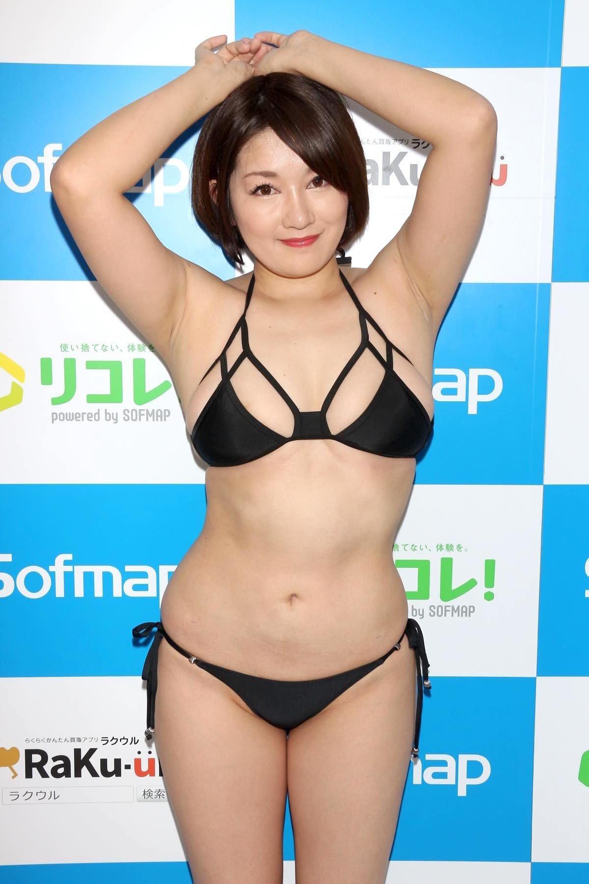 多田あさみ「赤い下着でイチャイチャ」お風呂で洗いっこにも挑戦!【画像39枚】の画像013