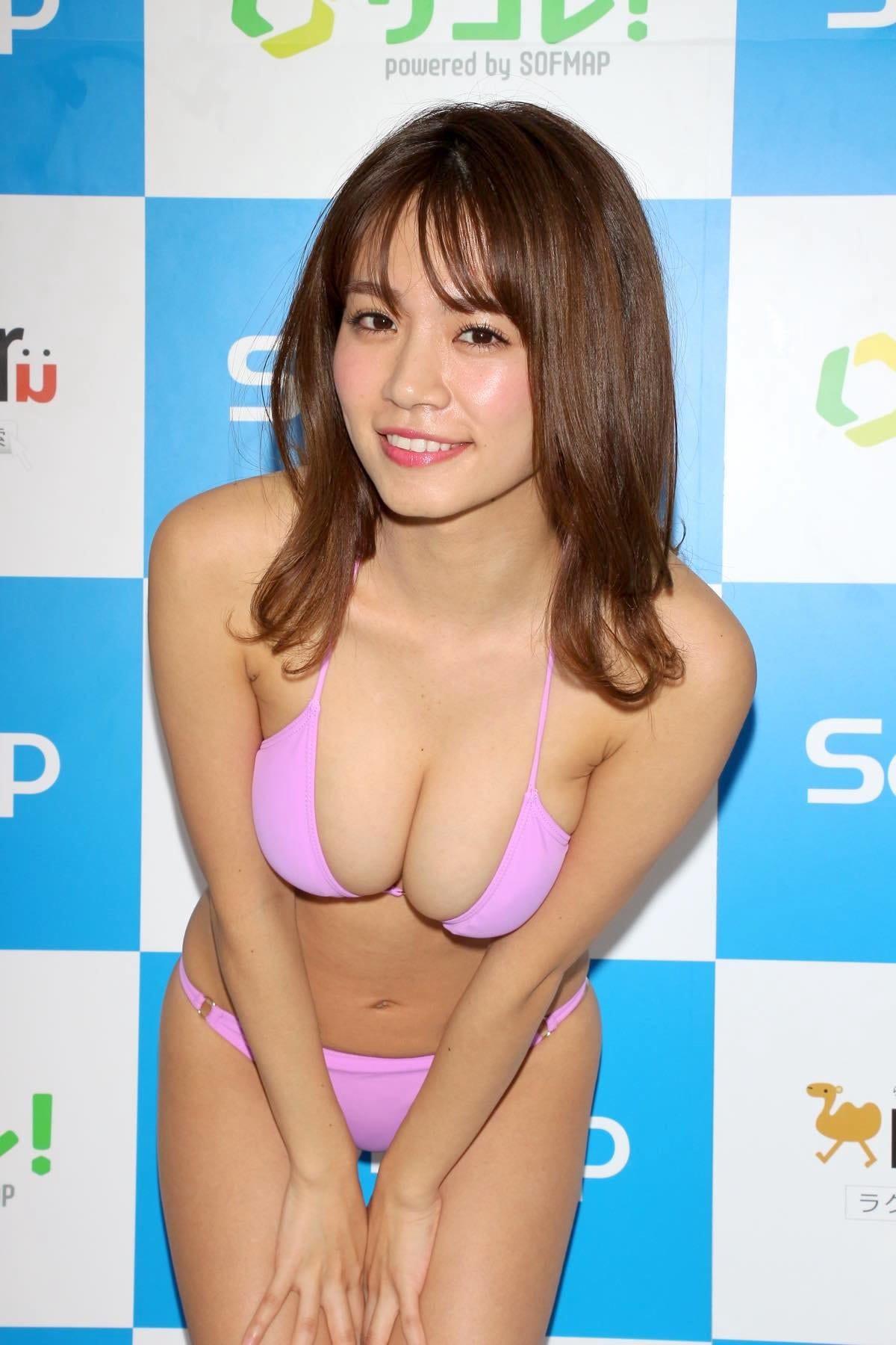 菜乃花のグラビア水着ビキニ画像03