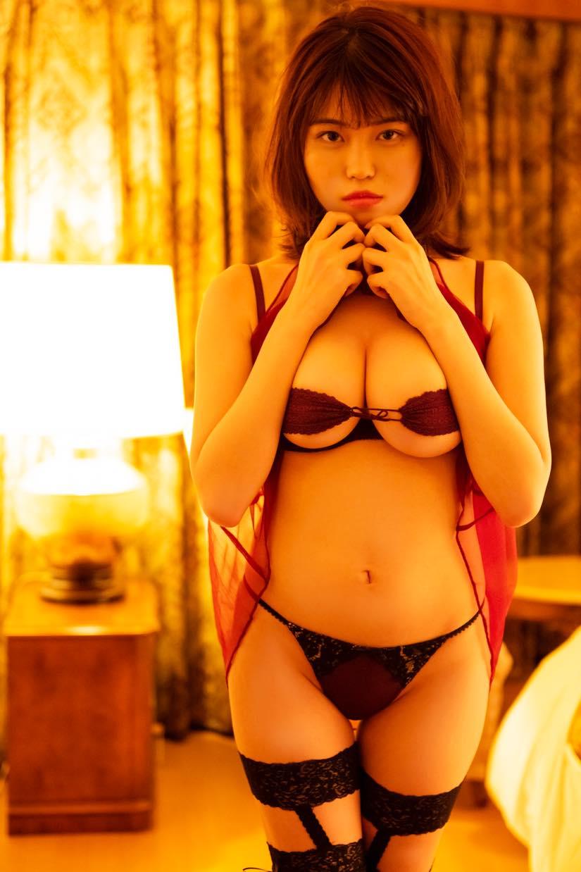 麻亜子「Gカップバスト」が揺れて揺れて揺れまくり!【写真18枚】の画像006
