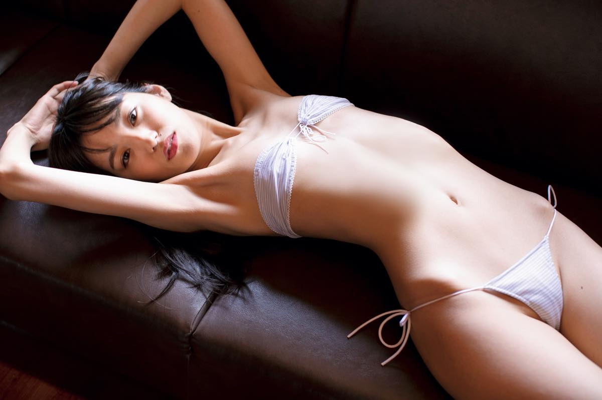 保田真愛のグラビア水着ビキニ画像7