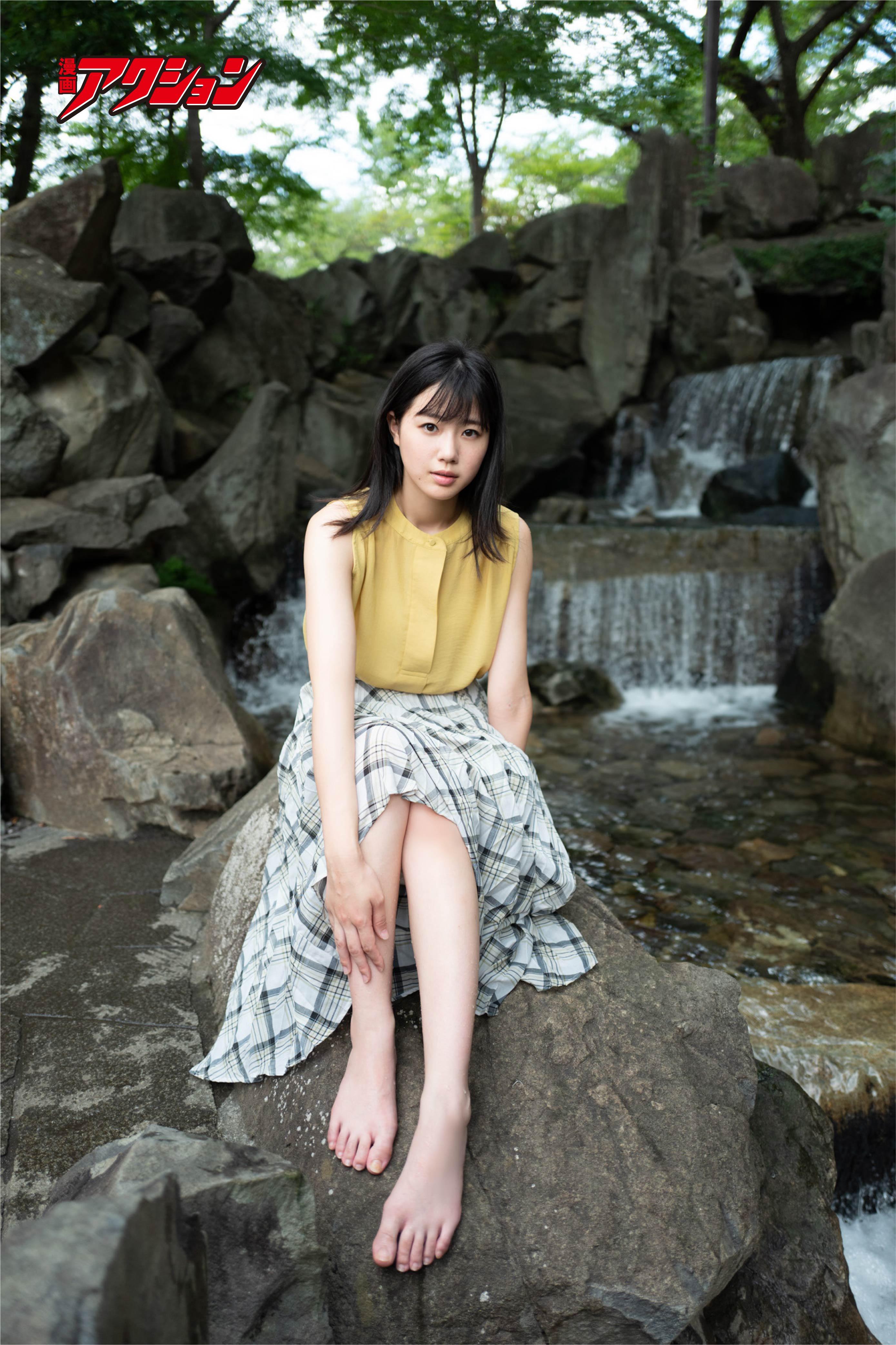 STU48瀧野由美子が『漫画アクション』の表紙巻頭グラビアに登場!【写真7枚】の画像002