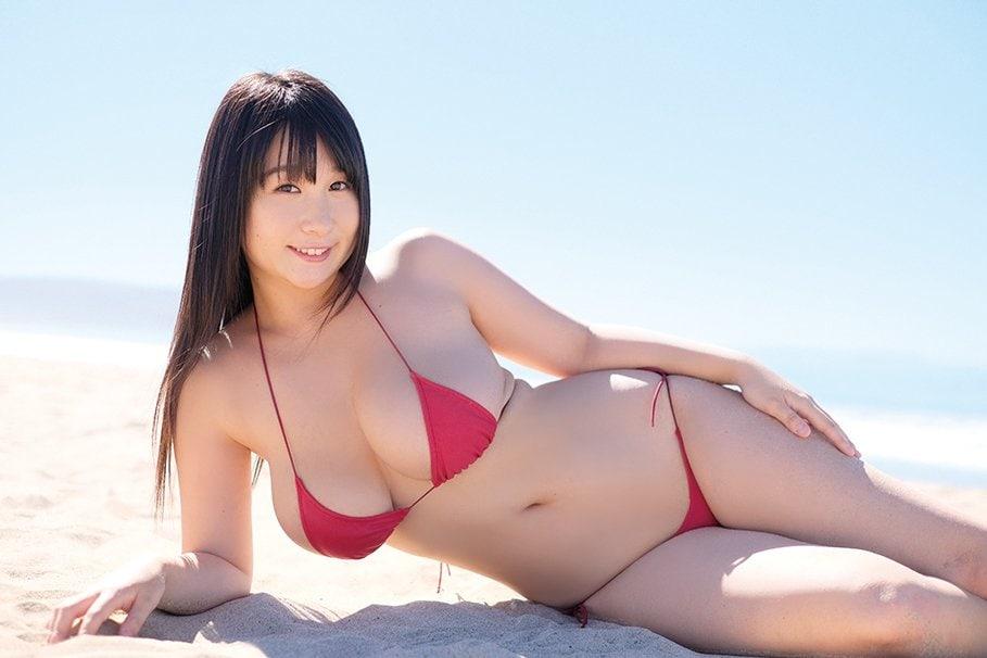 桐山瑠衣「衝撃のJカップ」が重力無視で暴れまくる!【写真10枚】の画像006