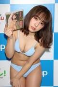 前田美里「胸元ガッツリ開いた競泳水着」に挑戦して、緊張!【写真44枚】の画像041