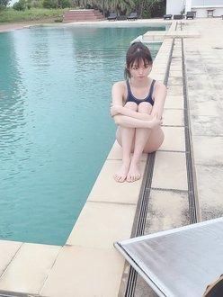 元AKB48達家真姫宝「弾けるような水着&美スタイル!」自身初のDVD撮影オフショットを公開【画像2枚】の画像