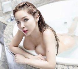 夏芽エレナ「一緒にお風呂入ろ?」爆弾ボディで大胆なお誘いの画像