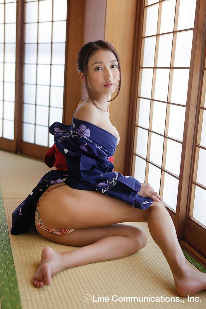 中川愛海「あの美少女が!」大人のフェロモンを大放出【写真8枚】の画像