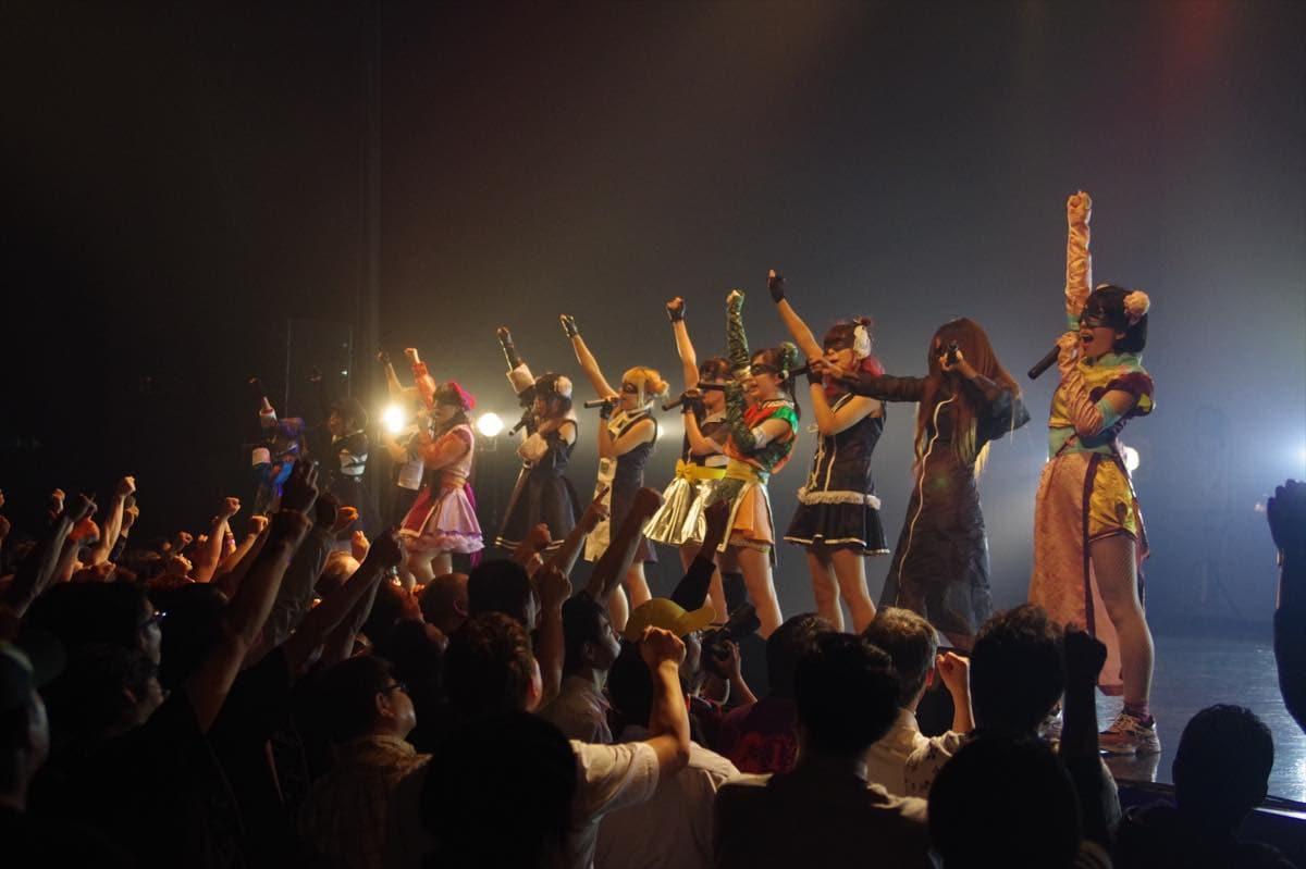 """めろん畑 a go go""""ロッキンなマスクアイドル""""が、新たな仲間とワンマンライブを開催!【写真22枚】の画像014"""