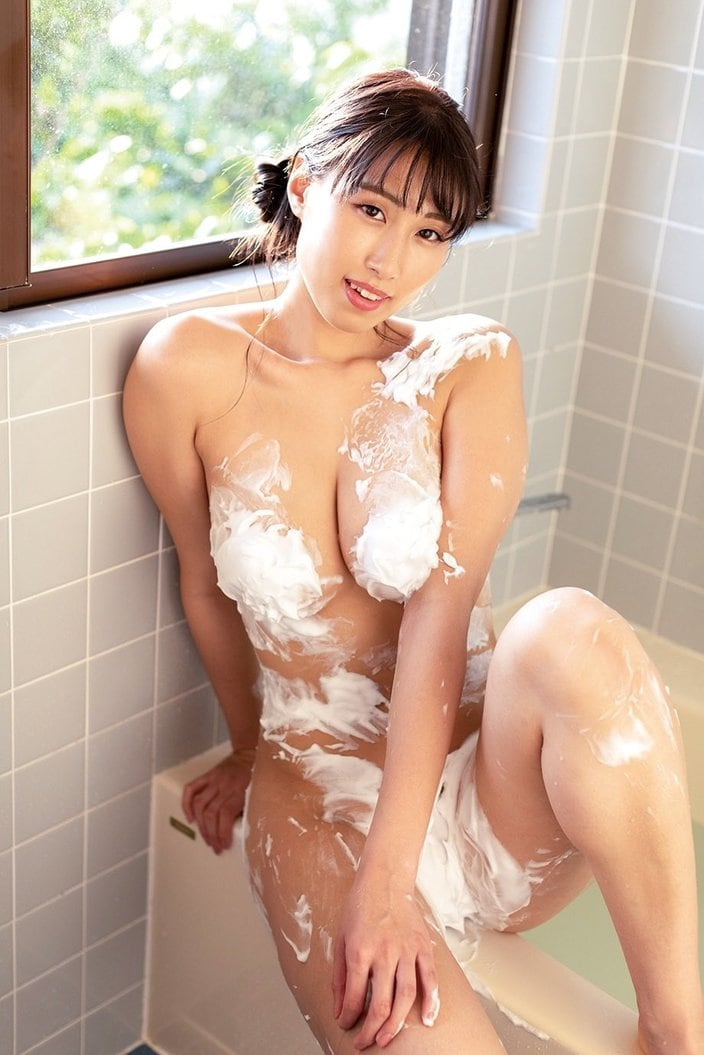 """""""Gカップ美女""""爽香「泡まみれでカラダをガード」際どい入浴ショットの画像"""