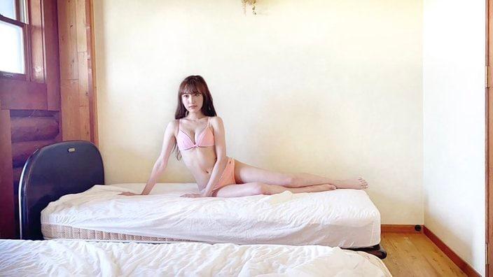 NMB48原かれん「なんてセクシーなマーメイド…」グラビア撮影中のオフショットにファン歓喜の画像