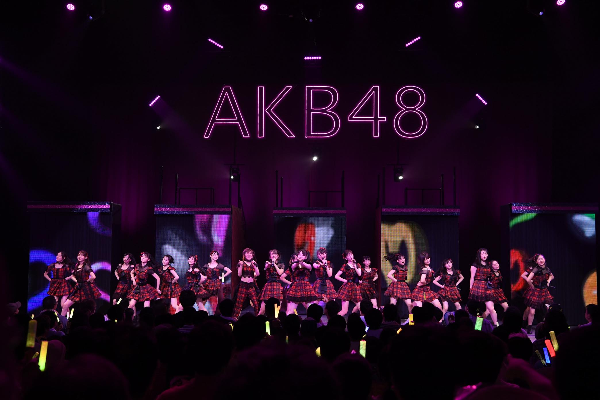 AKB48全国ツアー「神奈川公演」開催、チームBとチーム4のパワーが炸裂!【写真17枚】の画像016