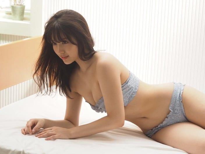 元AKB48大和田南那「秋らしいビキニにキュン」雑誌撮影のオフショットを披露の画像