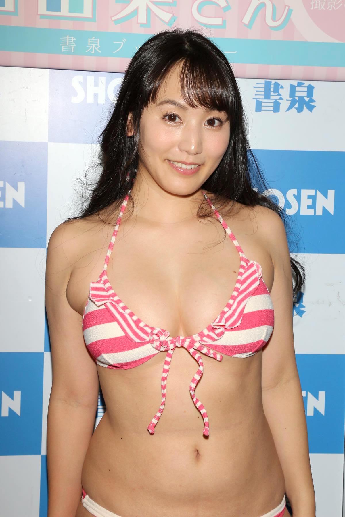 浜田由梨のグラビア水着ビキニ画像010