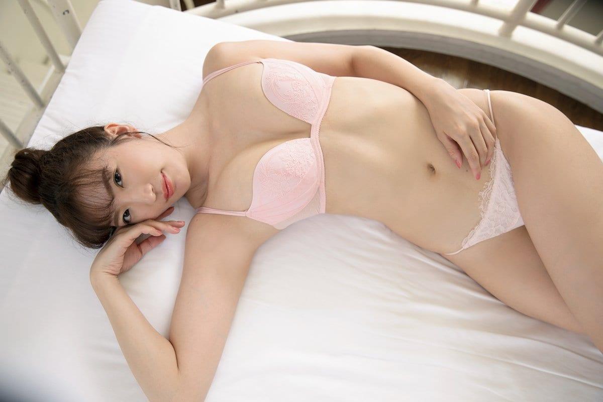 松嶋えいみ「きれいなお姉さん」洗練された神ボディ【写真12枚】の画像002