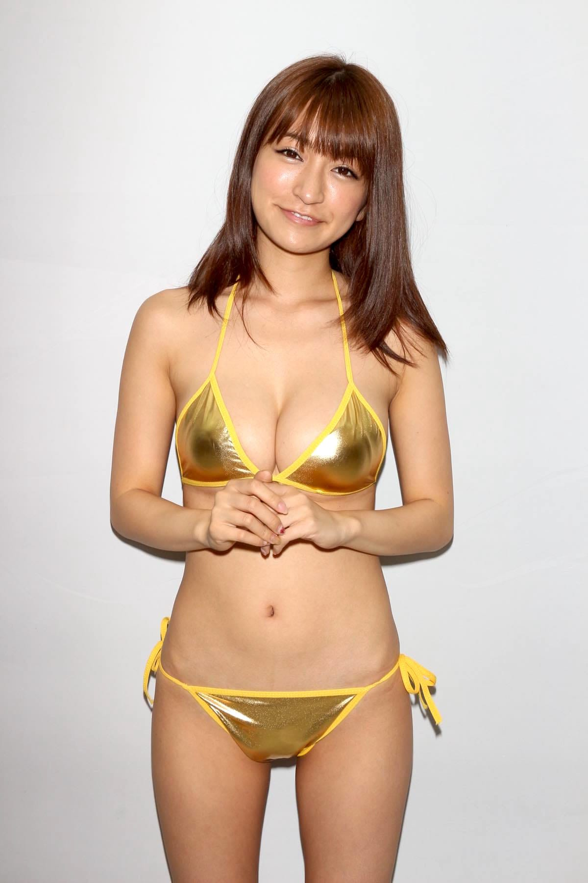 ☆HOSHINO「色気がダダ漏れ」衝撃的セクシーさで攻める!【写真25枚】の画像006