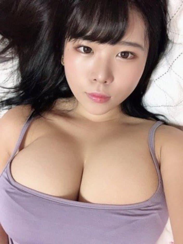 池田レイ「けしからん103センチ乳」セクシー自撮りを大盤振る舞い!【画像3枚】の画像