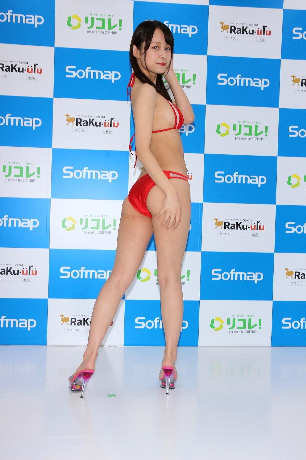 桜木美涼「Y字バランスに挑戦」意外とできちゃった【画像55枚】の画像011