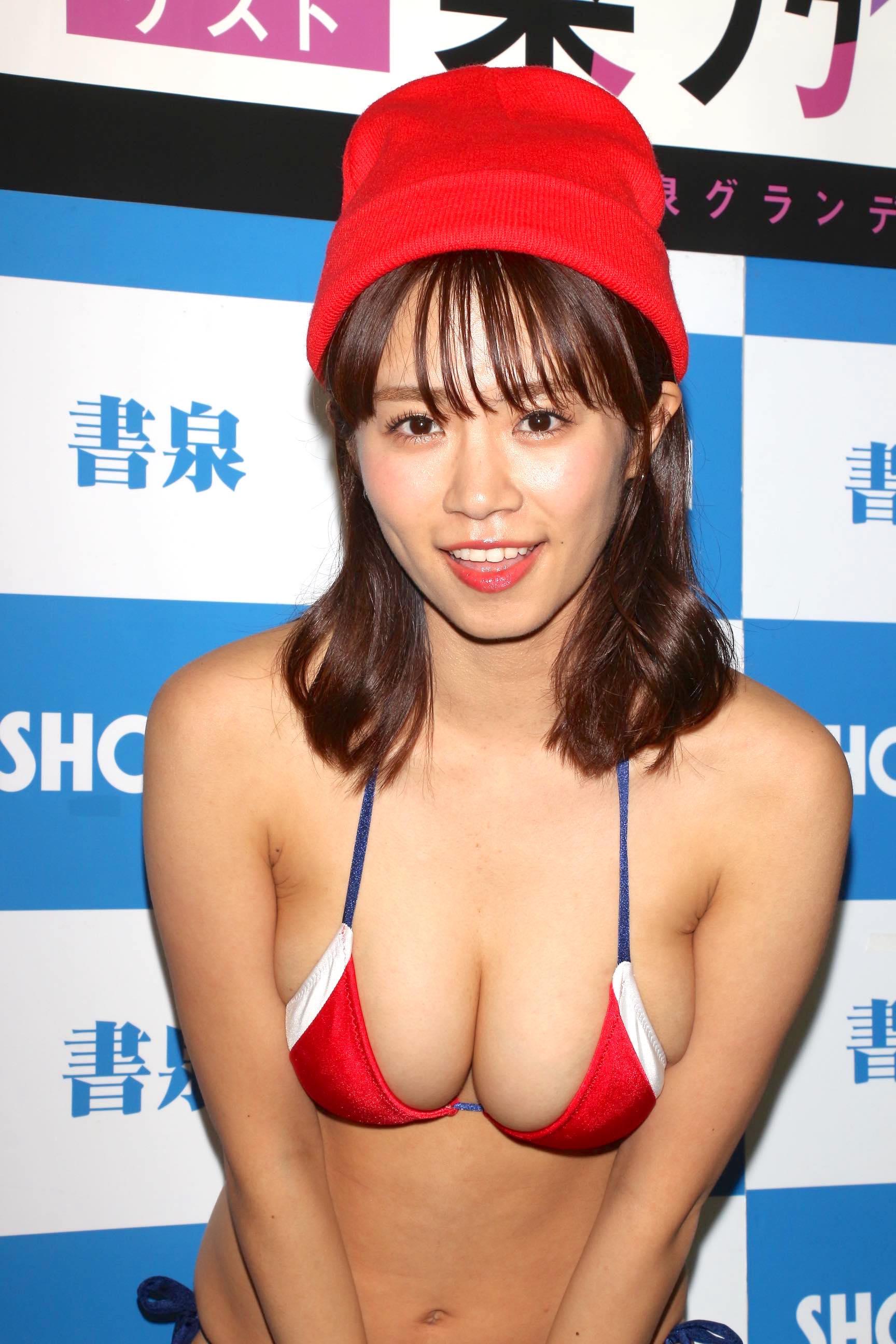 菜乃花「キス600回」を経験し、慣れてきた!?【写真18枚】の画像011