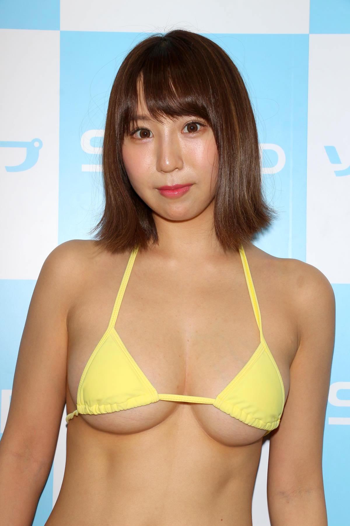 日向葵衣のグラビア水着ビキニ画像009