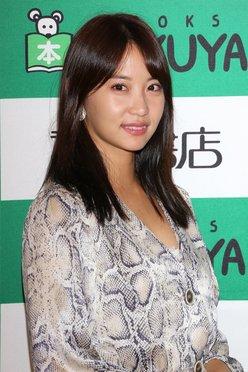 永尾まりや「キスはプロ級」初のトレーディングカード発売【写真6枚】の画像