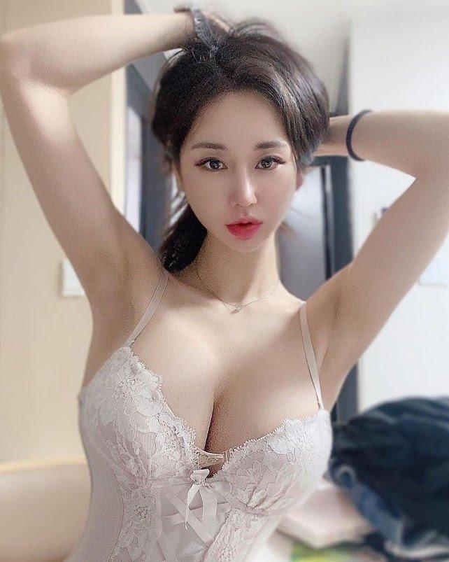 韓国モデル・キャンディ「美貌&美バストが奇跡の両立」180万フォロワー達成を嬉しそうに…【画像3枚】の画像002