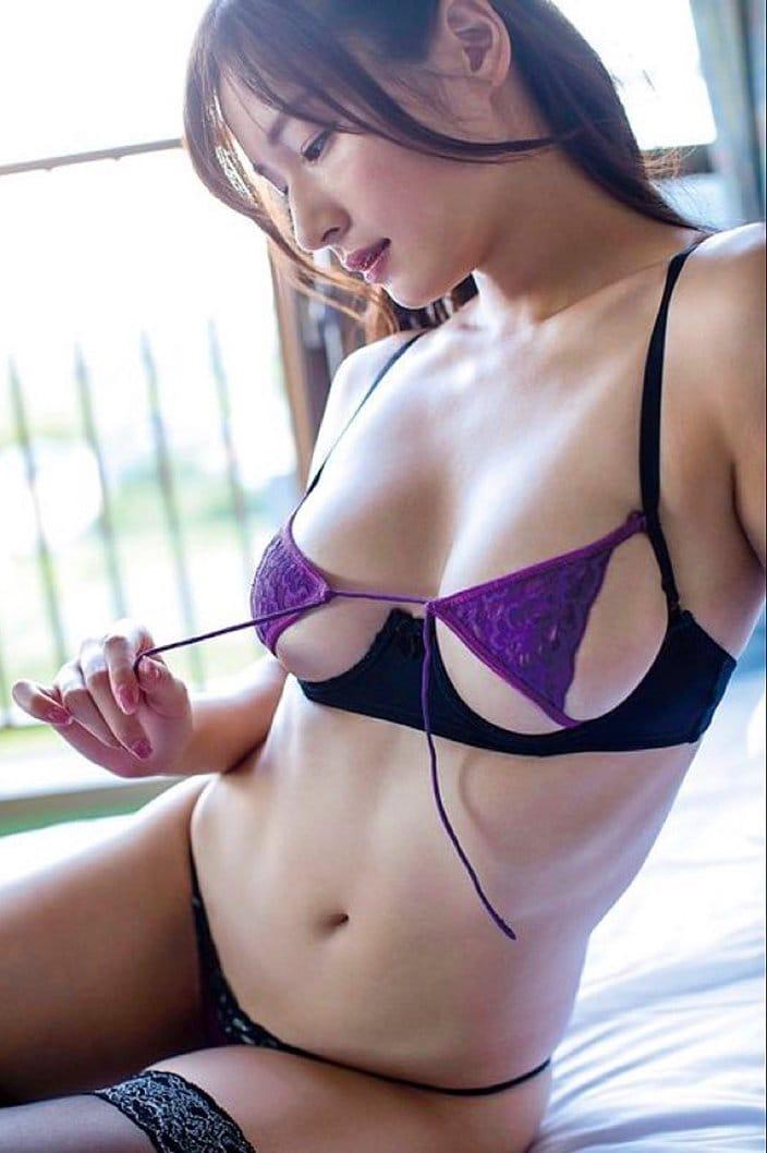 """G乳""清瀬汐希「極小ブラの紐を外して…」神プロポーションで頂点へ!の画像"