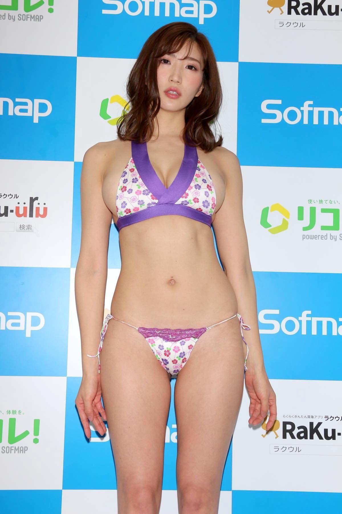 松嶋えいみのグラビア水着ビキニ画像01