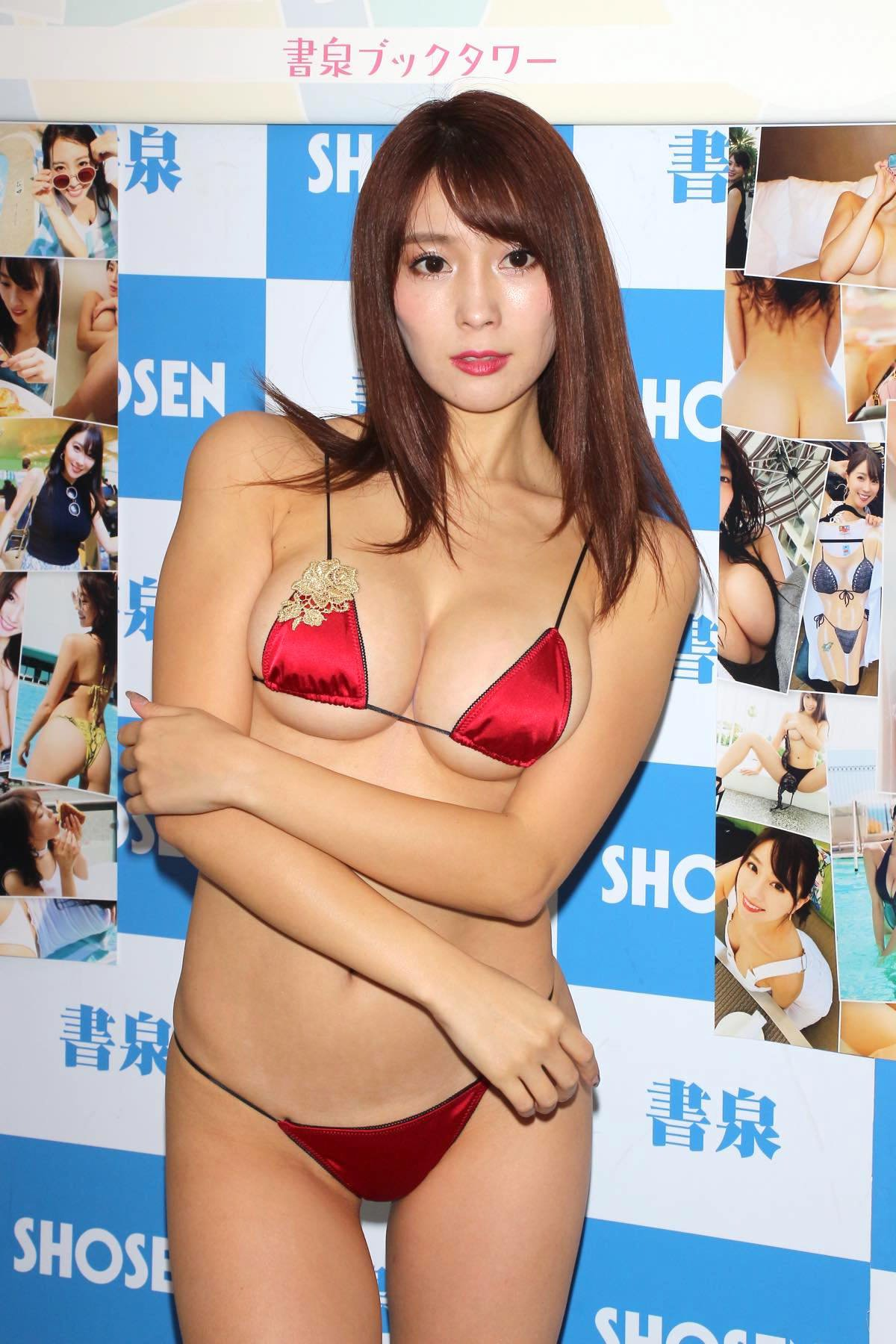 森咲智美の水着画像3