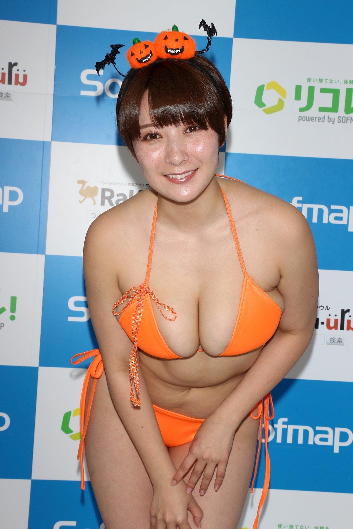 紺野栞「SM嬢に初挑戦」ムチを覚えて感動しました【画像49枚】の画像032