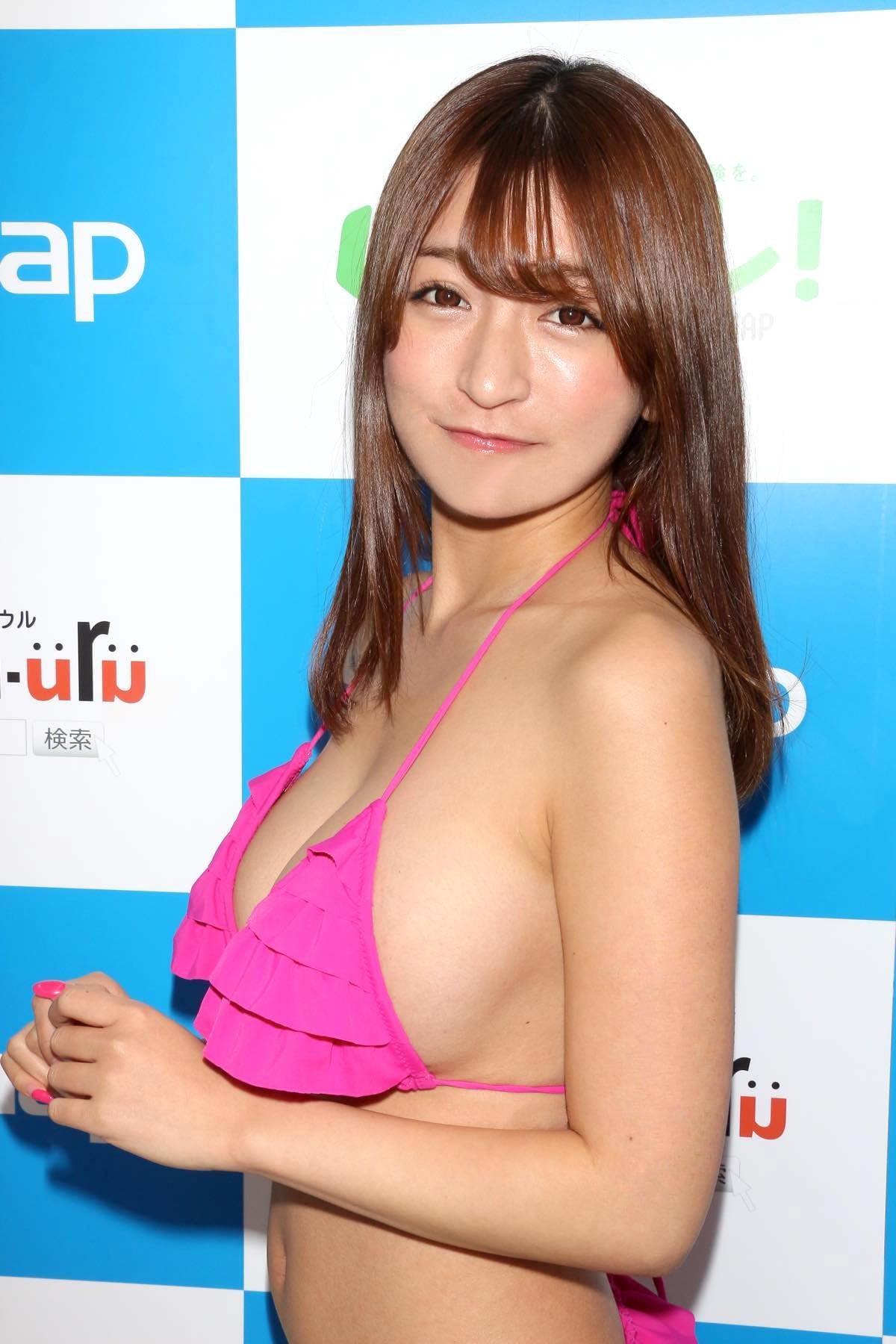 ☆HOSHINO「シャツがどんどん透けちゃう」エプロンはほぼ裸!【写真35枚】の画像012