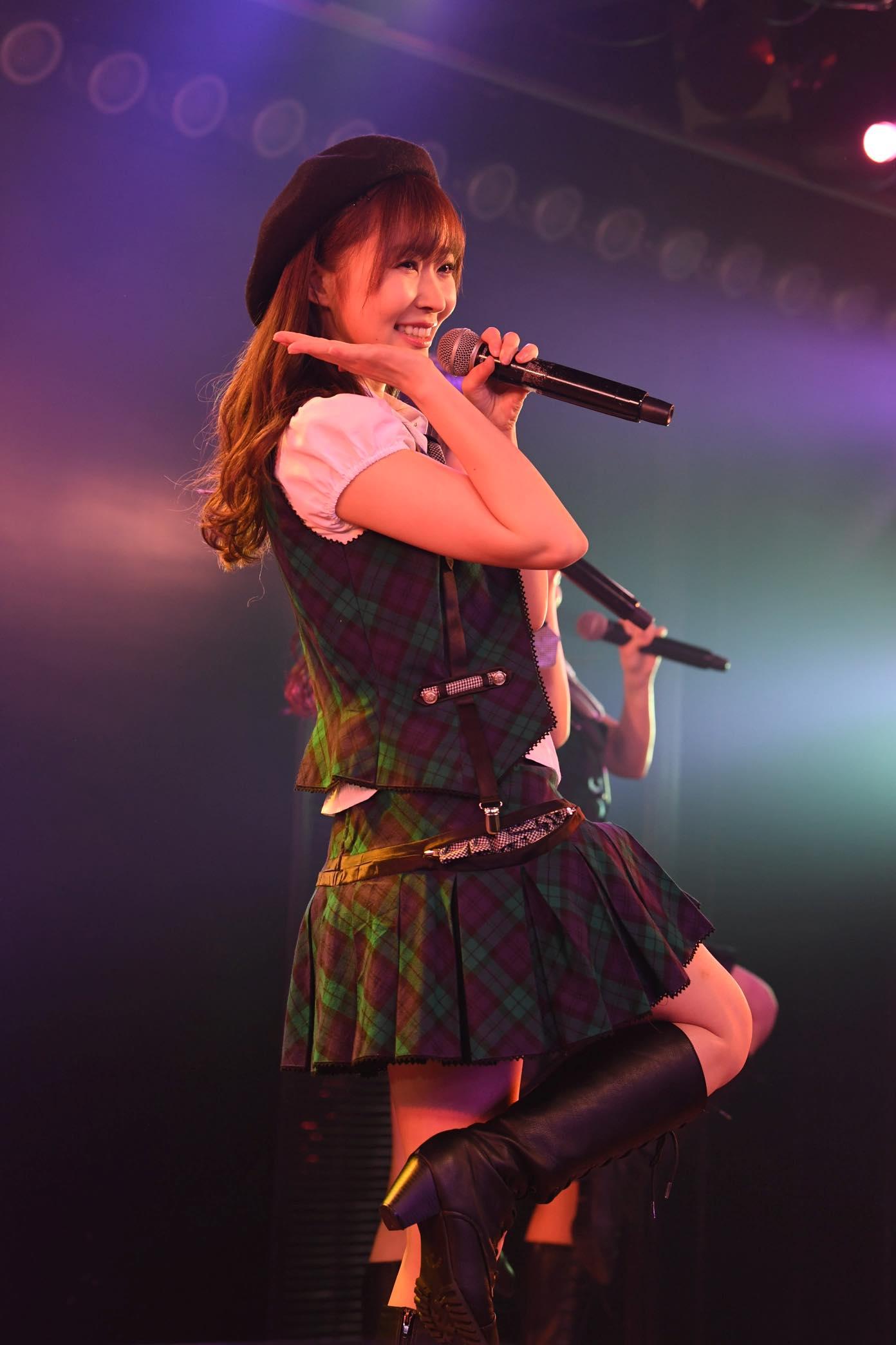指原莉乃が深夜のAKB劇場でステージに登場!【写真13枚】の画像002