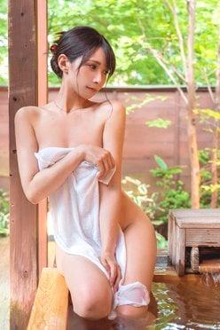 """コス美女・JILL「タオル一枚で裸のお付き合い!」露天風呂で""""いい風呂の日""""を堪能【画像4枚】の画像"""