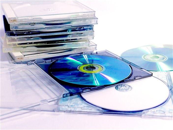 CD何枚買ったらダメ!? 一般女性の「アイドル好き男性」に対するイメージ調査の画像
