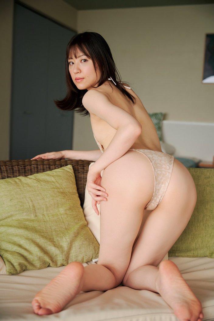 船岡咲「元ジュニアモデル」スレンダー美女のぷりぷり尻【画像10枚】の画像