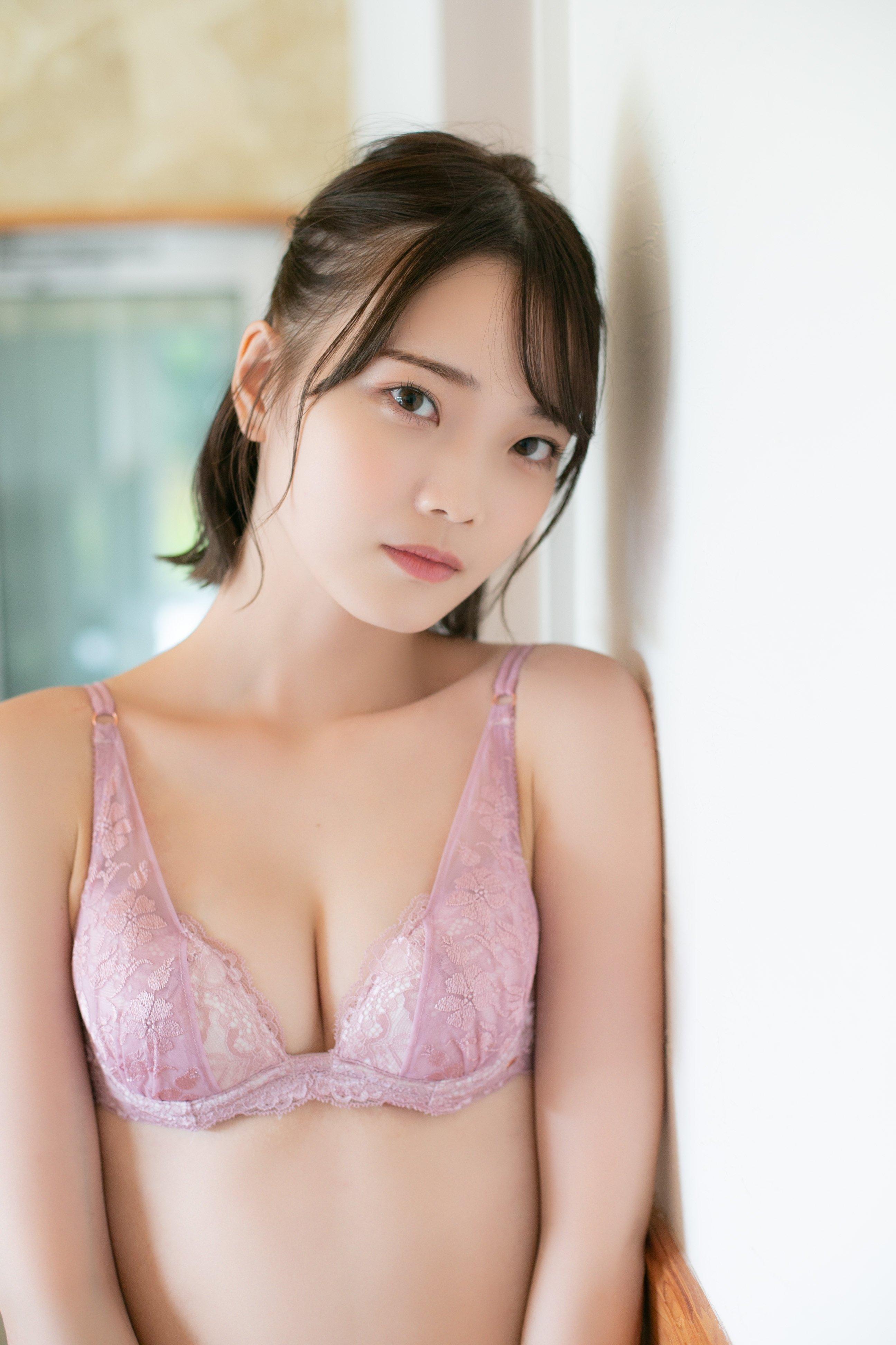 新谷姫加「透き通る白肌」新人グラドルのスレンダーボディ【画像5枚】の画像001